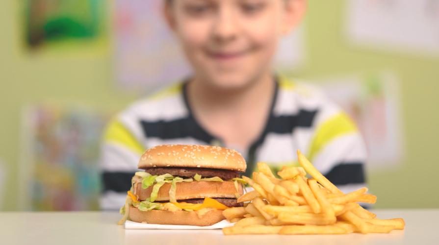 obesità infantile cosa mangiare cosa no